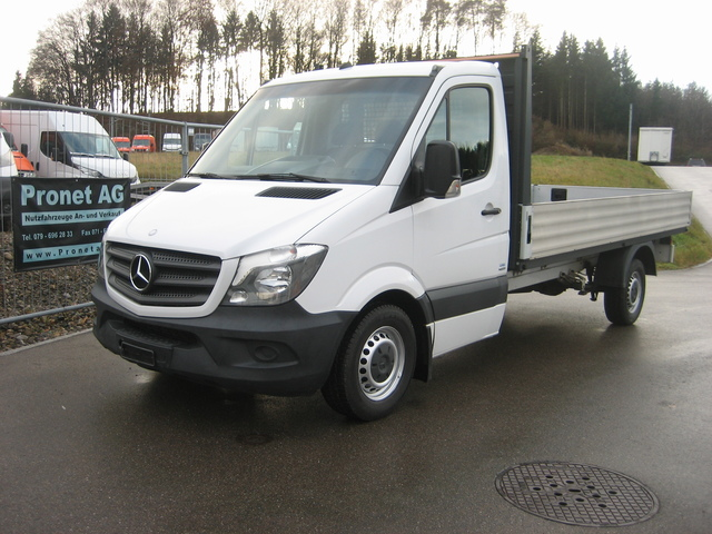 PRON1188_1074863 vehicle image