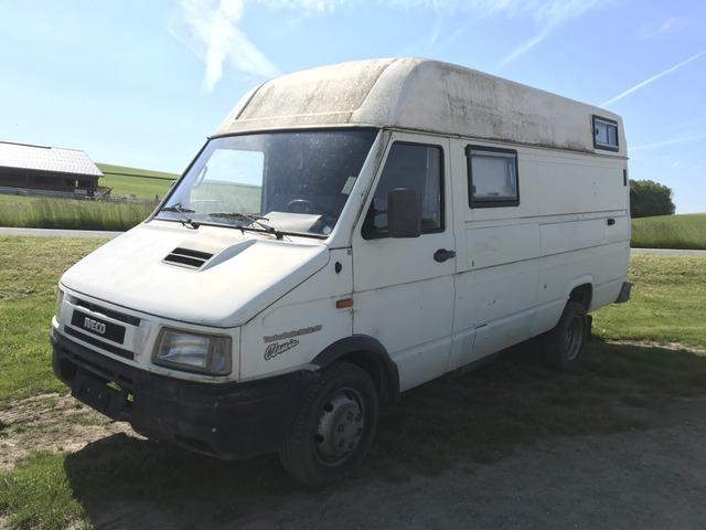 TAMZ4659_975940 vehicle image