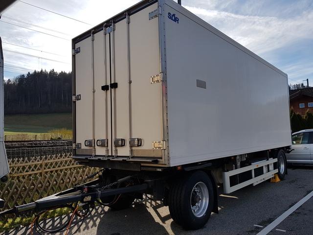 CALA2423_1109381 vehicle image