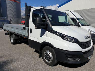 SEDU206_1207102 vehicle image
