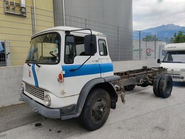 SEDU206_1186486 vehicle image