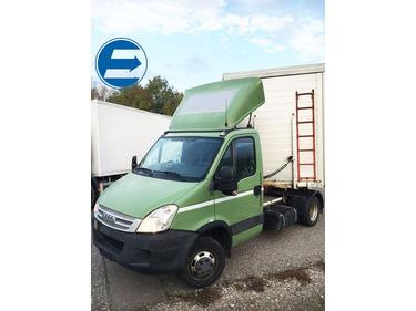 FRAN6306_882888 vehicle image