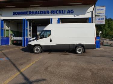 SOMM2698_1038037 vehicle image