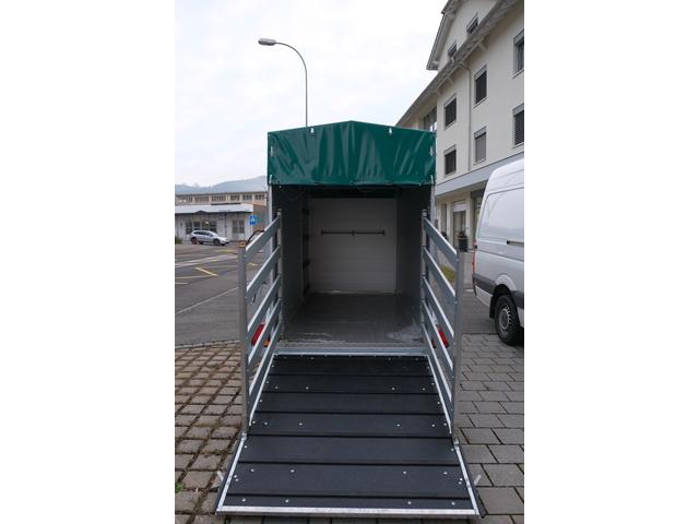 SCHU5250_1085471 vehicle image