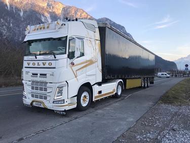0009020 vehicle image