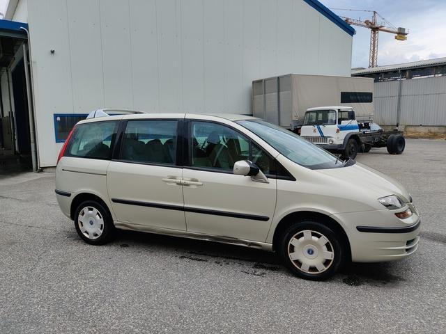 SEDU206_1186485 vehicle image