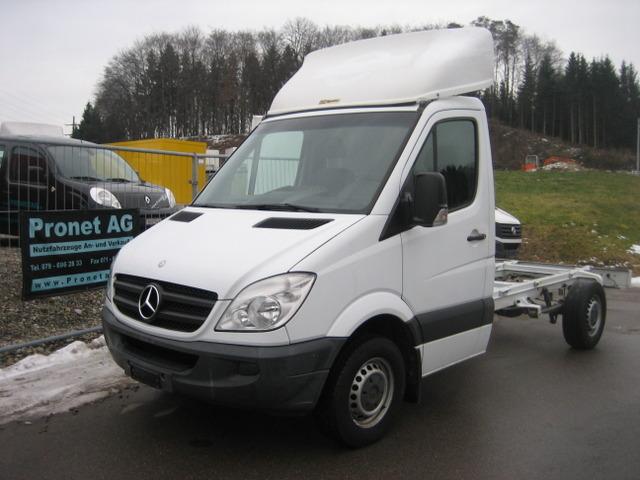 PRON1188_922149 vehicle image