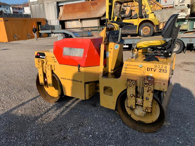 KEED2067_1132483 vehicle image