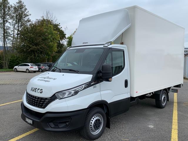 STUD177_1048016 vehicle image