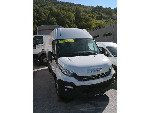 SEDU206_892805 vehicle image