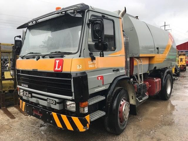 CHAR2826_687030 vehicle image