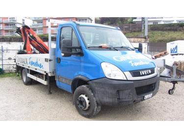 JAQU922_1048018 vehicle image