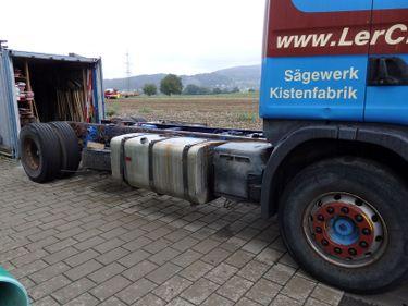 RENN6633_812774 vehicle image