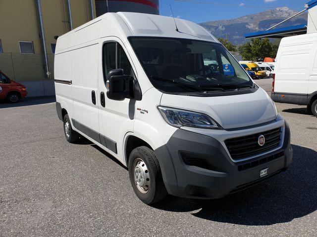 SEDU206_1207676 vehicle image