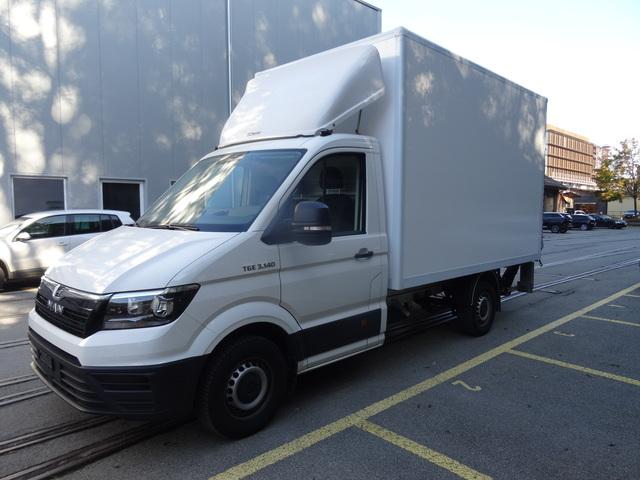 STUD177_1043866 vehicle image