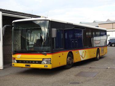 ZIAL184_830972 vehicle image