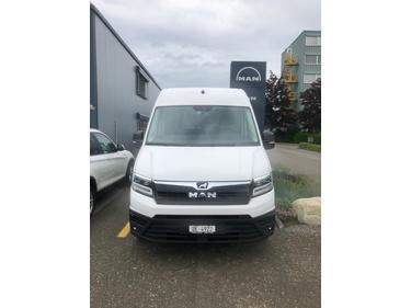 STUD177_981693 vehicle image