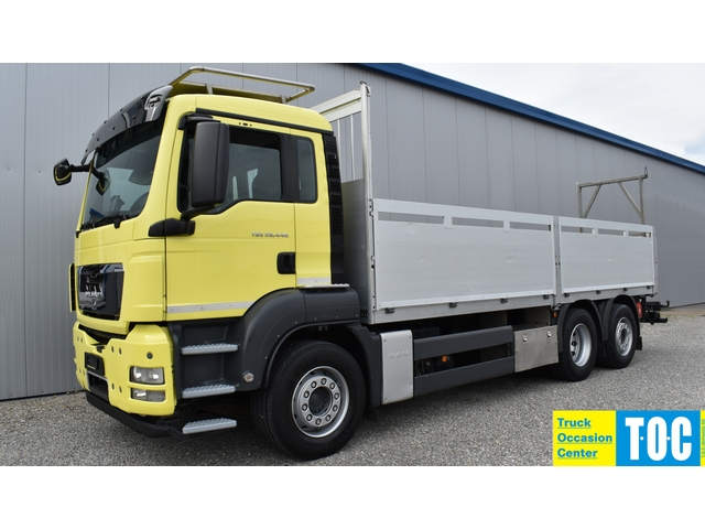 TOC1273_952113 vehicle image