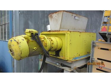 JAQU922_960962 vehicle image