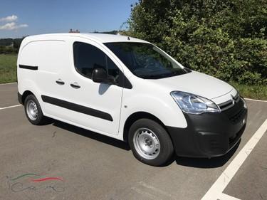 iCar6512_833739 vehicle image