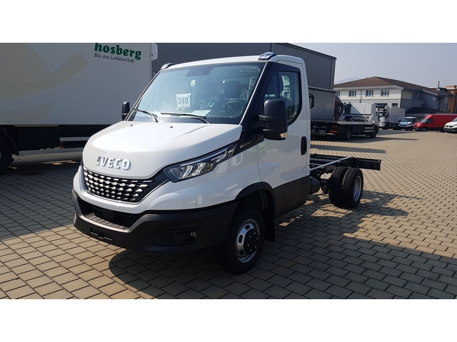 RONN828_1128974 vehicle image