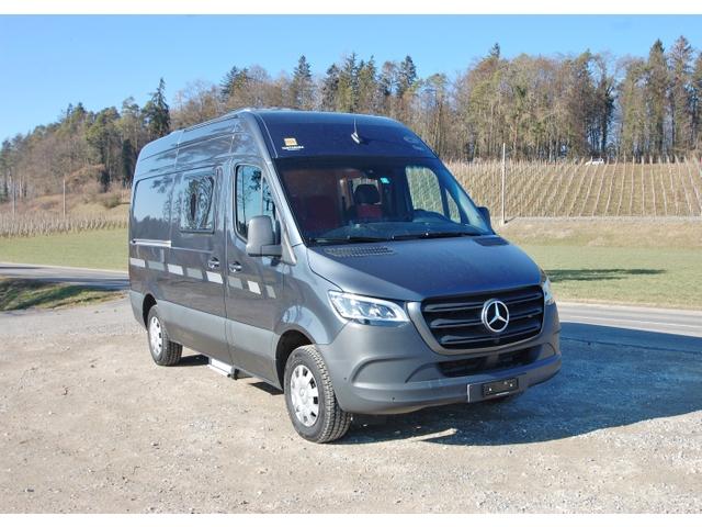 TART5813_938688 vehicle image