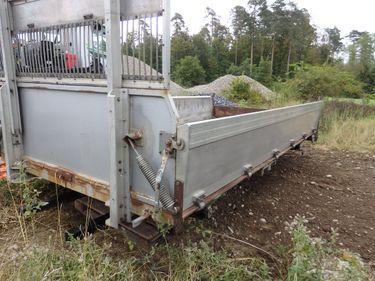 RENN6633_1204292 vehicle image