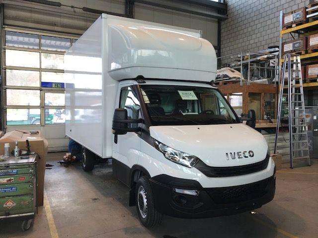 STUD177_1151133 vehicle image