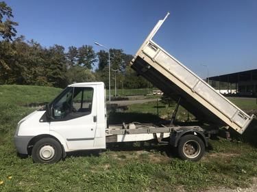 Jaku2764_851593 vehicle image