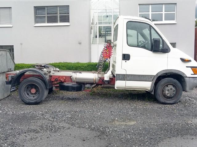 0322019 vehicle image