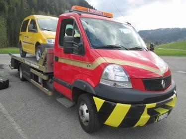 RINA4324_642593 vehicle image