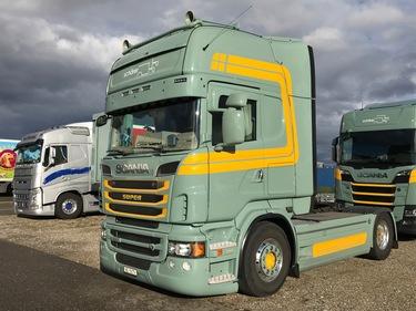 THOM103_1101662 vehicle image