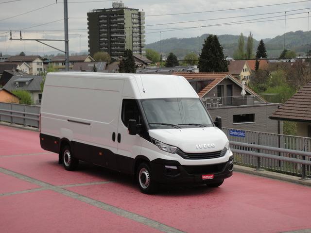 OAB6568_960453 vehicle image