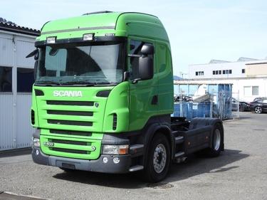 ZIAL184_730496 vehicle image