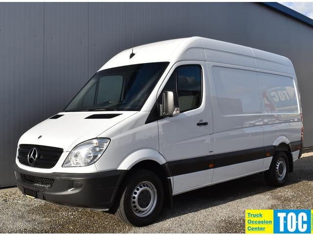TOC1273_1092123 vehicle image