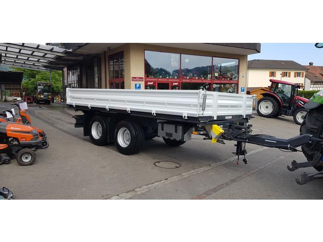 LAND7371_1160667 vehicle image
