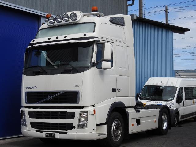 ZIAL184_817880 vehicle image