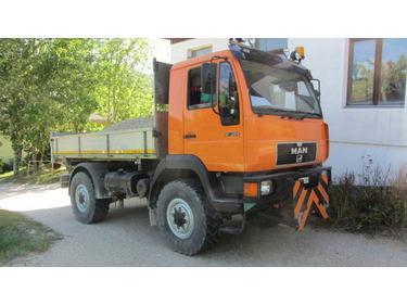 JAQU922_991784 vehicle image