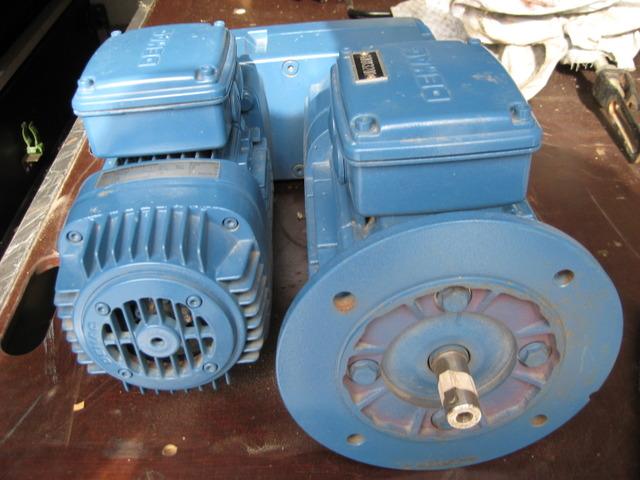 RARO1486_711842 vehicle image