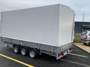 STUD177_1068597 vehicle image
