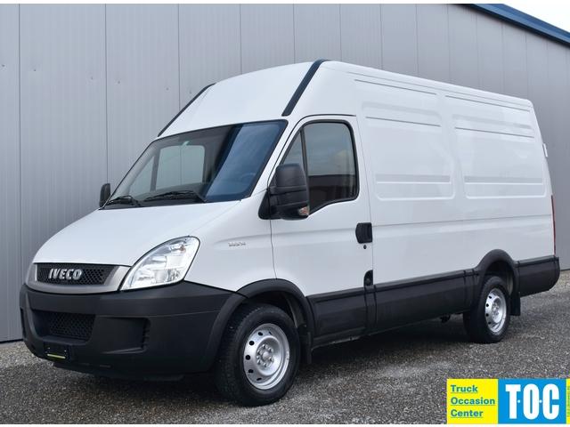 TOC1273_1075525 vehicle image