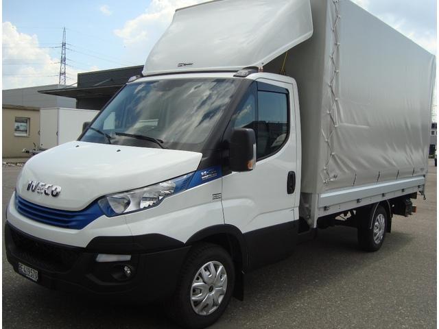STUD177_620820 vehicle image