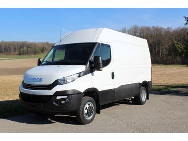 Kall37_940949 vehicle image