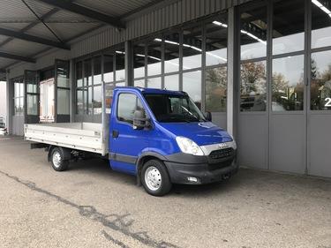 NAEF243_1048583 vehicle image