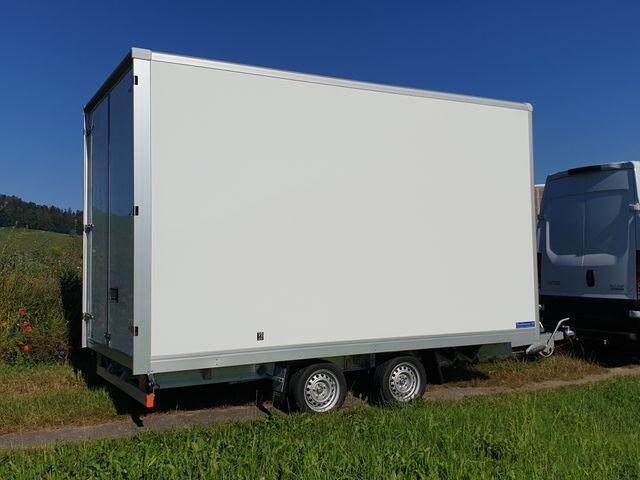 HUTT218_1192627 vehicle image