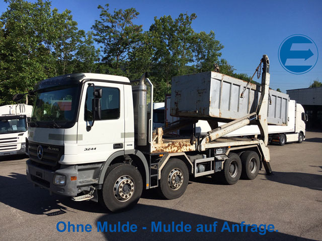 FRAN6306_982048 vehicle image