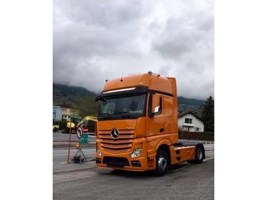 0335018 vehicle image