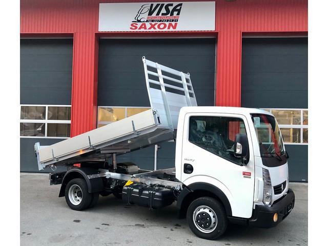 VISA147_948960 vehicle image