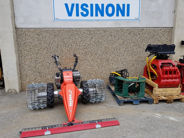 VISI1614_688996 vehicle image