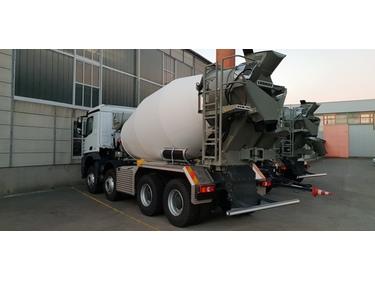 ABAT518_839558 vehicle image